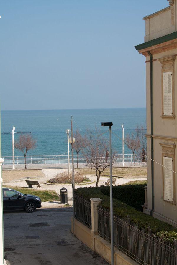Appartamento vista mare in centro storico pesaro for Appartamenti rimini