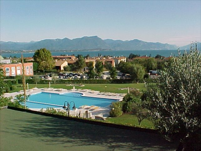 Single House with Views on Lake Garda