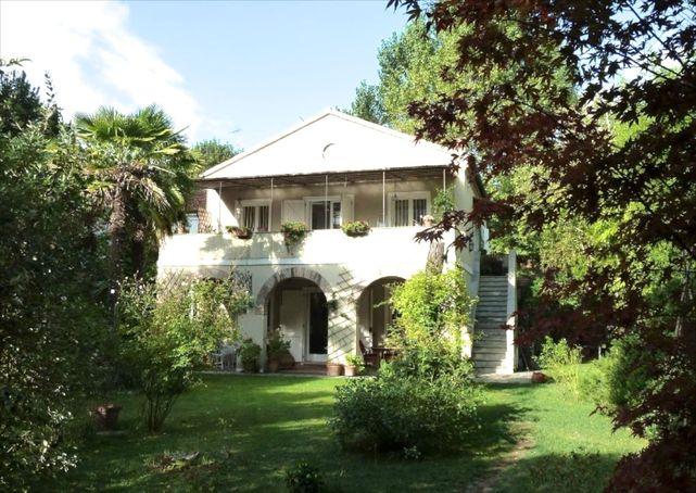 Villa o casa di lusso in italia in vendita vista mare o in for Piani di lusso a casa singola storia
